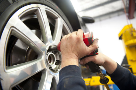 Tyre Service by Mechanic